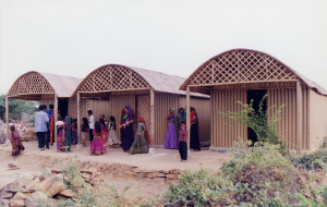 Shigeru-Ban-Paper-Log-House-India-01-300x190